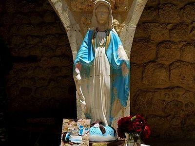 Статуя Пресвятой Богородицы вернулась в монастырь в Маалюле