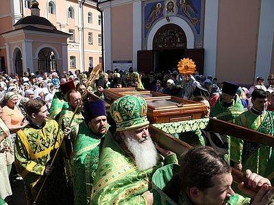 В Томске прошел крестный ход с мощами св. прав. старца Феодора
