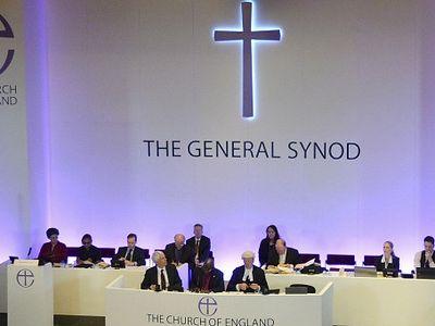 Генеральный синод церкви Англии: женщины могут быть епископами
