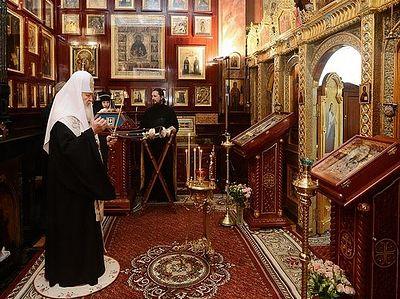 Патриарх Кирилл совершил литию по жертвам аварии в московском метро