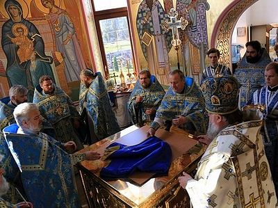 A church is consecrated in Gorlovka to the sound of explosions