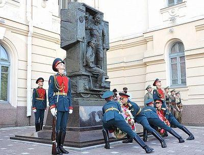 Памятный крест русским героям первой мировой установлен в Петербурге