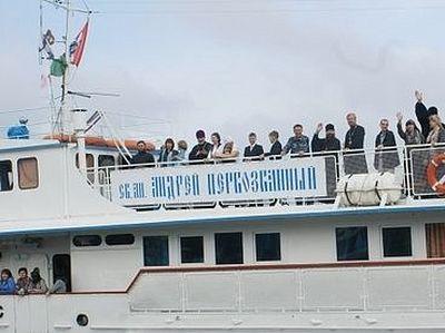 Корабль-церковь отправится в благотворительный рейд по Оби