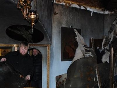 Unidentified people tried to set on fire two Orthodox churches in south Ukraine
