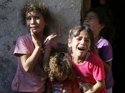 Архиепископ Газы: Чтобы выжить, нам нужны лишь две вещи: милосердие и любовь