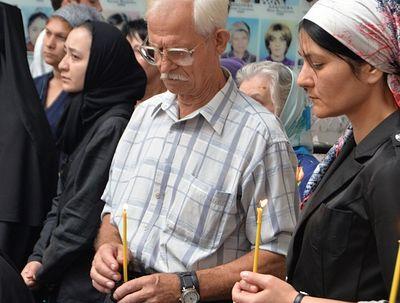 В спортзале школы № 1 Беслана архиепископ Зосима совершил Божественную литургию