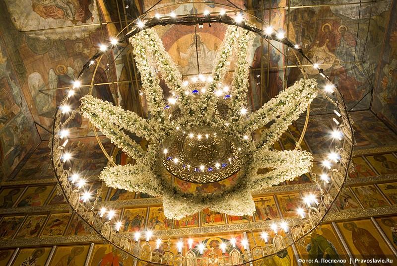 Хорос, украшенный на Рождество Христово