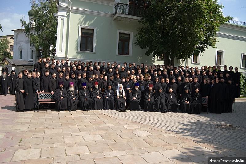 Святейший патриарх Кирилл с семинаристами СДС