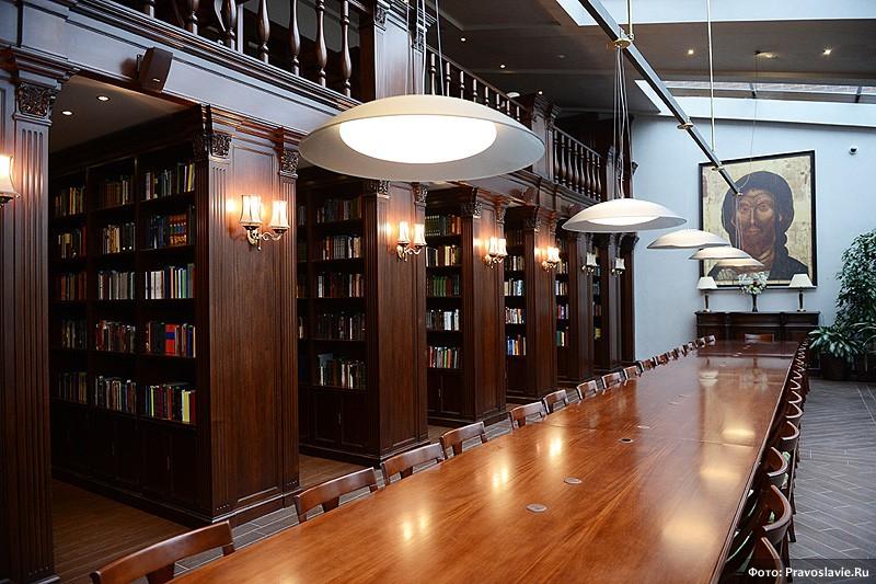 Библиотека в новом здании семинарии