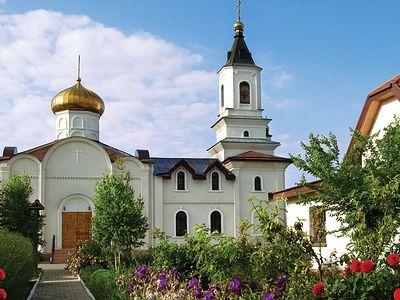 В Донецке обстреливают Свято-Иверский женский монастырь