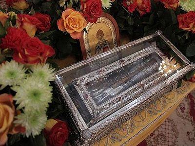 Митрополит Кирилл: Сегодня мы все пришли к благословляющей Деснице святителя Спиридона