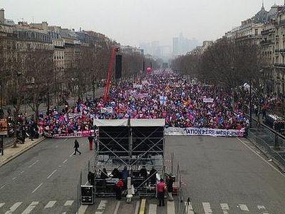 Во Франции протестуют против однополых браков