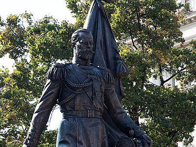 В Белграде установлен памятник императору Николаю II (+ ФОТО)