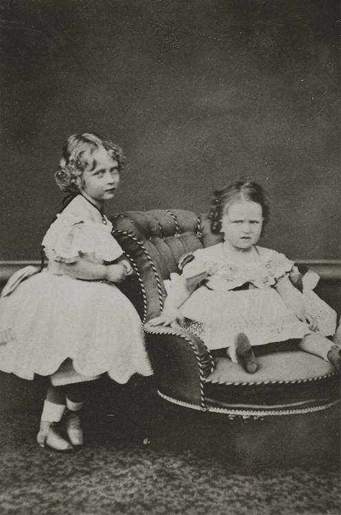 1866 г. Принцессы Виктория и Елизавета Гессенские