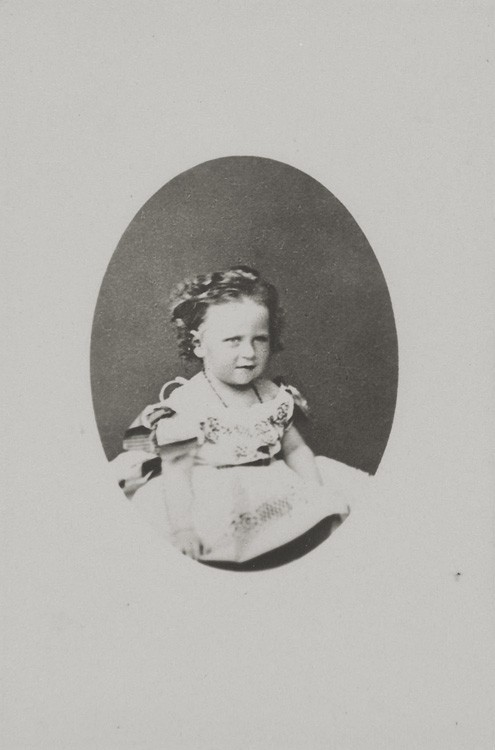 1866 г. Юная принцесса Елизавета Гессенская