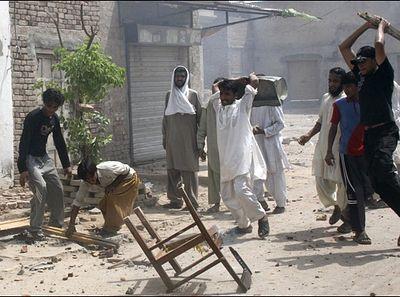 Пакистан: христиан изгоняют из деревни из-за брака с мусульманкой