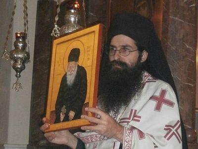 Первая Литургие в честь прп.Порфирия Кавсокаливита в его скиту: много чад и всего один владыка