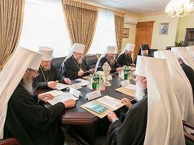 Синод Украинской Православной Церкви принял обращение к президенту Украины