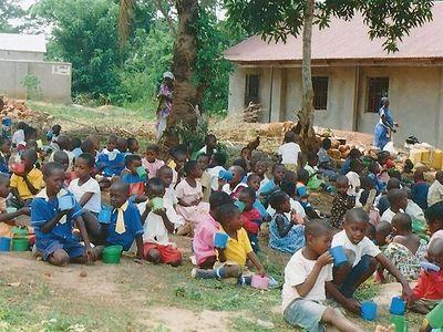 Православная благотворительная служба строит в Уганде школу