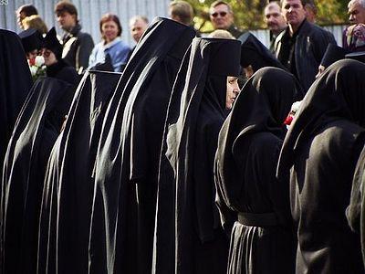 Монастырь как функциональная или дисфункциональная семья