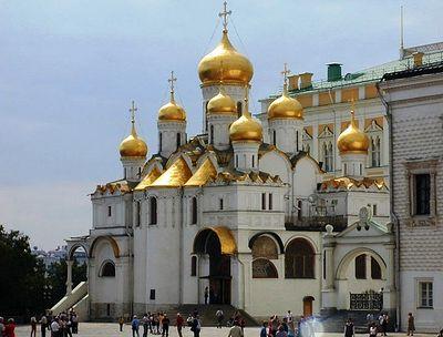 В праздник Благовещения Патриарх Кирилл совершил Литургию в Благовещенском соборе Кремля