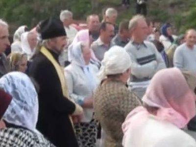 На Тернопольщине женщины выгнали из села раскольников и «Правый сектор»
