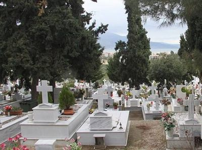 Shortage of Grave Plots Revives Cremation Controversy in Greece