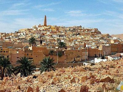 Тысячи алжирцев тайно принимают христианство