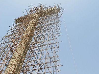 A 'bulletproof' cross rises in Karachi
