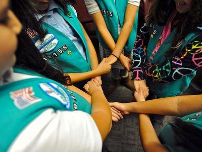 Ассоциация девочек-скаутов Америки приглашает в свои ряды мальчиков-транссексуалов