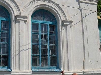 Луганская область: Накануне праздника Святой Троицы была обстреляна территория храма