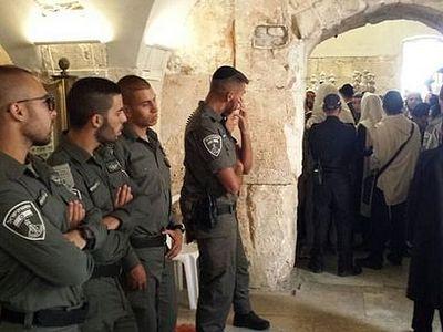 «Здесь не должно быть крестов!»: иудеи пытались сорвать богослужение в Сионской горнице