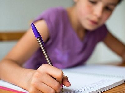 Болгария: родители выступают против пропаганды йоги в школе