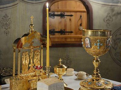 Божественная литургия в Сретенском монастыре в Неделю 6-ю по Пятидесятнице, в день памяти святых первоверховных апостолов Петра и Павла
