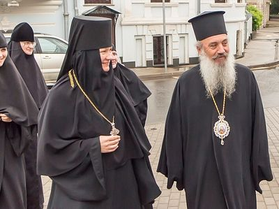 Albanian Orthodox bishop visits the Conception Convent in Moscow