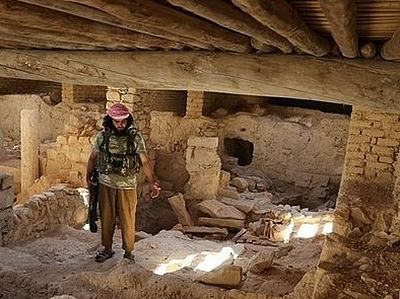 Islam or death - in Syria ISIS destroyed a 5th-century monastery and kidnapped Christians