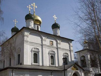 Божественная литургия в Сретенском монастыре в день памяти преподобного Амвросия Оптинского