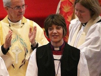 Первая женщина-епископ Англии усомнилась, можно ли говорить о Боге в мужском роде