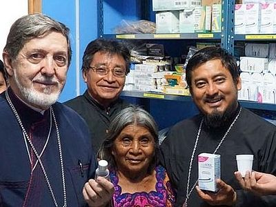 Archbishop Blesses Aguacate Clinic Amidst National Healthcare Crisis