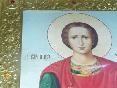 В Хабаровской епархии замироточили три иконы (ФОТО)