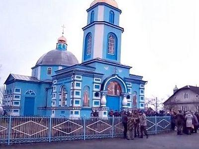 Случаи посягательств на храмы и клириков канонической Украинской Православной Церкви в ноябре 2015 года