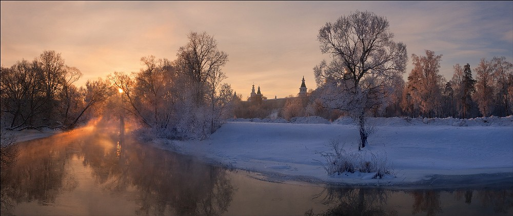Winter sunrise above the Istra river, the Moscow region