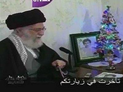 Духовный лидер Ирана Али Хаменеи посетил на Рождество христианскую семью