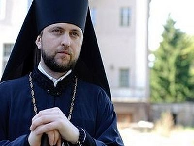 Orthodox priest complains to German authorities about harassment of Christians at refugee camps