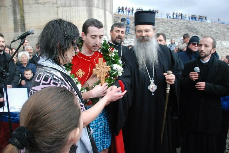 Епископ Рашко-Призренский Феодосий с победителем