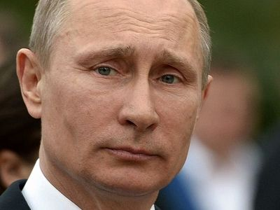 Putin urges careful approach towards Lenin reburial issue not to divide society