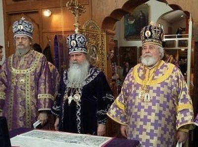 Metropolitan Tikhon, Archbishop Leo concelebrate Liturgy at New Valaam Monastery