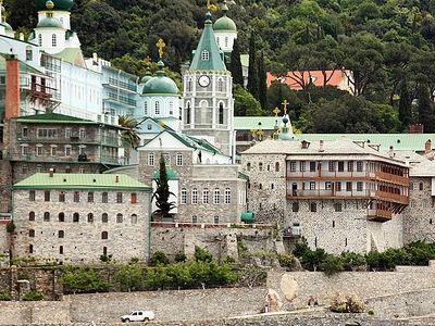 Дмитрий Медведев проведет заседание попечительского совета Афонского Свято-Пантелеимонова монастыря