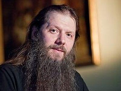 Православная соцсеть запустила видеопроект с известным проповедником и писателем протоиереем Артемием Владимировым