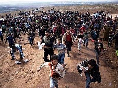 СМИ: в Европе беженцы-мусульмане стали чаще обращаться в христианскую веру